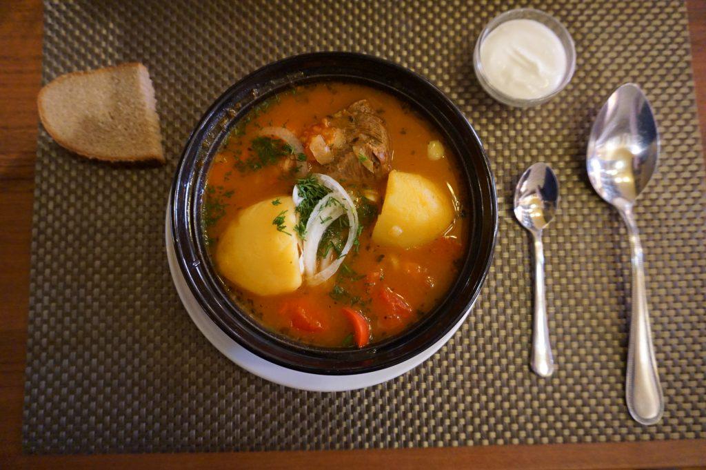 Belarus gezilecek yerler - Aç kalmayacağınız bir şehir, resimde ki yemek Maçhanka