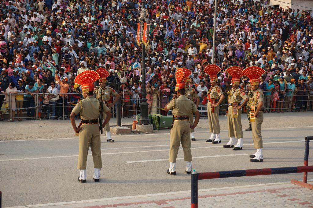 Amritsar gezilecek yerler - Wagah Border