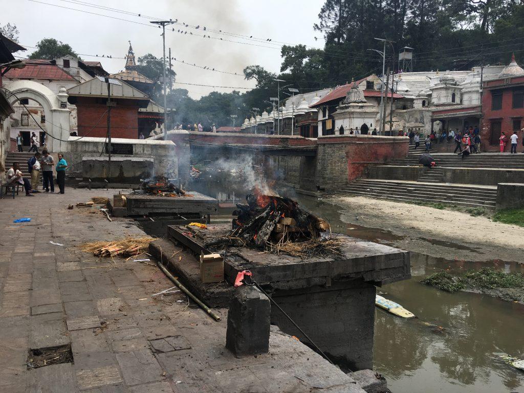 Katmandu gezilecek yerler - Pashipatunah Tapınağı